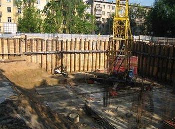 Укрепление стенок котлована при строительстве